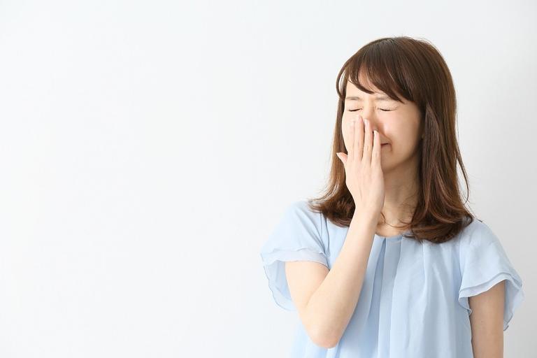 女性の方が口が臭いやすい?