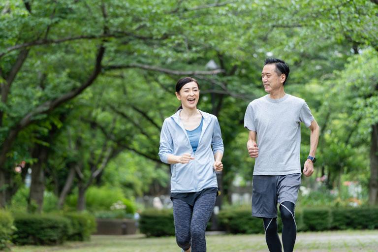 運動不足が加齢臭の原因に