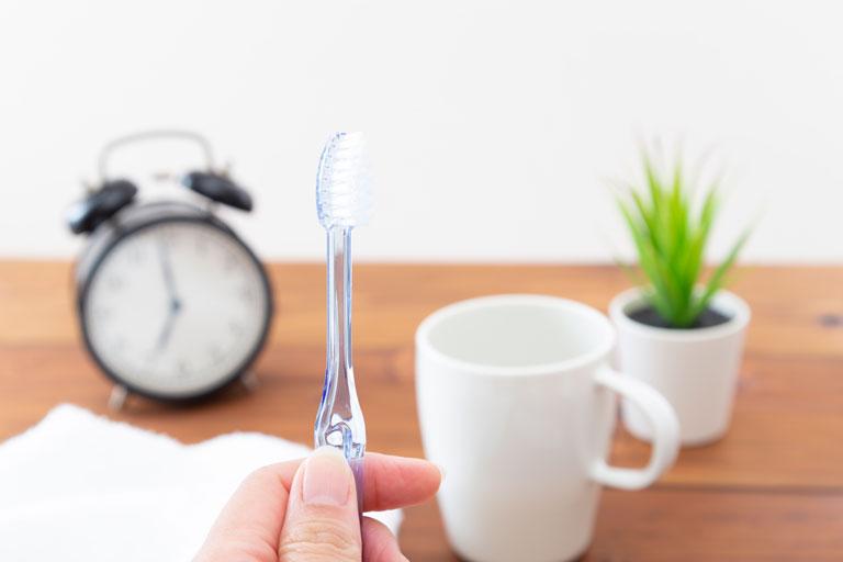 歯ブラシは小回りの効くものを選ぶ